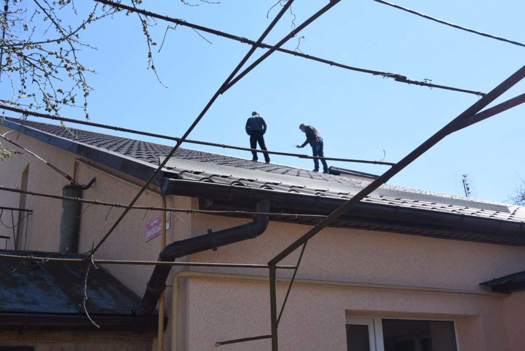 обстеження на даху